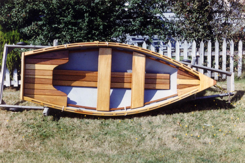 Tender rowboat